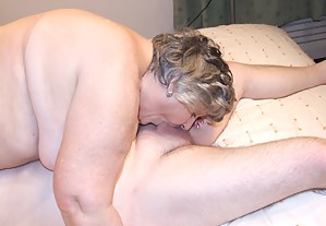 Moms Deepthroat Porn Pictures