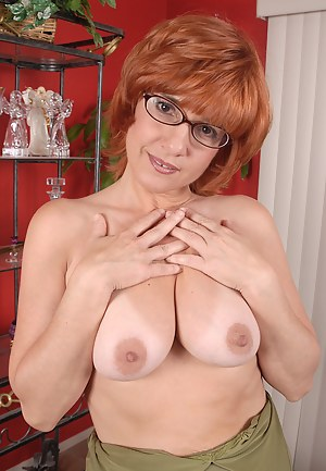 Redhead Moms Porn Pictures